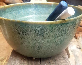 Crystallized green and blue salad bowl