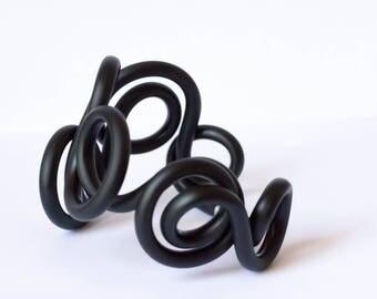 Natural Gum Bracelet-medium size-anodized aluminium and natural gum hypoallergenic and high quality materials