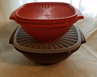 Vintage 1970's Tupperware Servalier Bowls with Lids #858-4 & 838-4