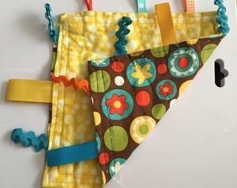 Flower & polka dot lovie with yellow polka dots back