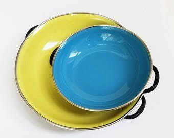 Vintage Enamel Frying Pans Made in Jugoslavia Yellow and Blue / Mid Century Modern 60s Kitchenware Enamelware