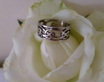 Vintage Sterling Silver (925) Celtic Band Ring.    UK Size J