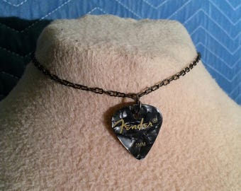 Fender Guitar Pick Choker (black/silver)