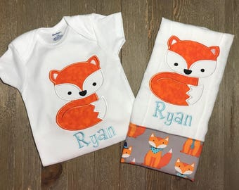 Personalized Fox Onesie and burp cloth set, Custom Fox Onesie and burp cloth set, Embroidered