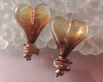 CALIENTE Ombre flat heart lampworked earring pair