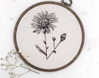"5"" Daisy Plant Embroidery Hoop"