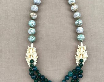 Green Necklace with flowers