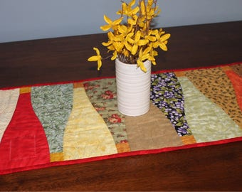 Quilted Table Runner / Fall Table Runner / Kitchen Table Runner / Fall Table Decoration / Table Decoration