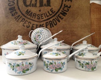Set of 6 pans with lid, strainer, enamel white with floral pattern. Vintage 1930's. FREE SHIPPING