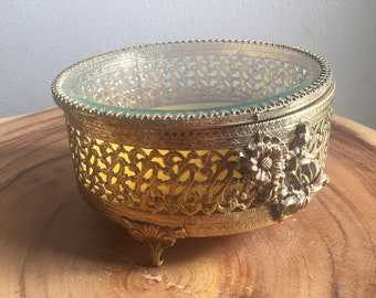 vintage round jewelry display box