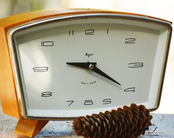 Vintage Light Brown USSR Majak Table Clock,Vintage Mechanical Table Clock Majak,Vintage Working Clock,Retro Soviet Table Clock,USSR Clock