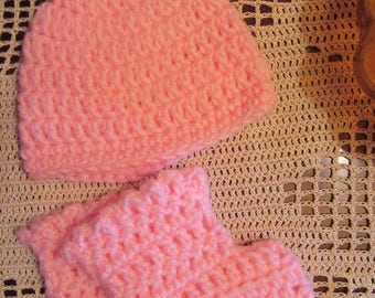 Pale Pink Beanie and Booties Set