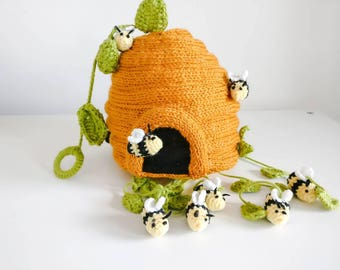 Bee Hive Baby mobile/décor