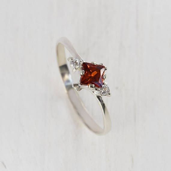 promise ring art deco ring garnet ring silver red stone. Black Bedroom Furniture Sets. Home Design Ideas