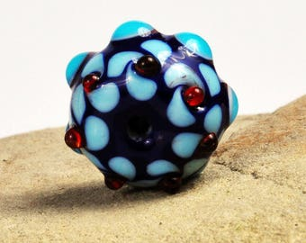 Blue patterned bead