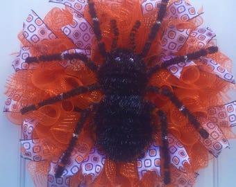Halloween deco mesh wreath, deco mesh wreath, spider wreath, spider, Halloween decor, scary wreath, orange and black wreath, ruffle wreath