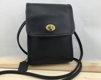 COACH Vintage Black Leather Camera Bag // Crossbody Bag // Flap Bag
