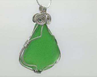 Green seaglass pendant, Silver wire wrapped beachglass pendant, genuine sea glass pendant, wire wrapped pendant, seaglass pendant