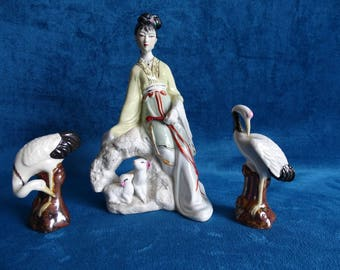 Chinese porcelain figurines, Geisha flanked by cranes