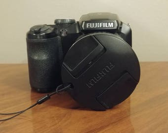 Fujifilm finepix s DSLR camera