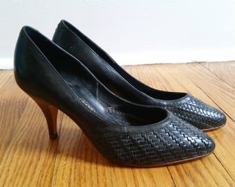vintage black pumps, woven leather heels womens 6