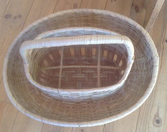 French Wicker basket, oval in shape, Wine carrier, Alfresco dinning, Garden picnic, Travel companion, Vintage Wicker Wine Carrier