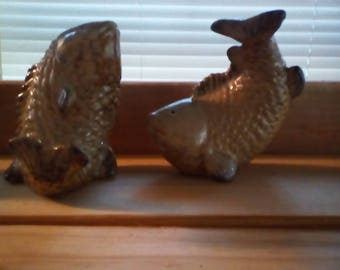 pottery fish decor