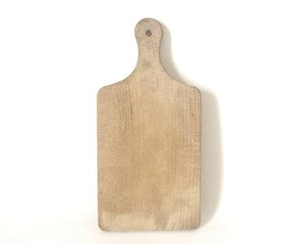 Old cutting board / wooden /.