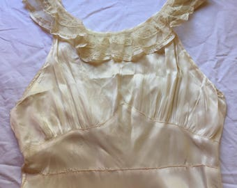 Beautiful vintage slip sz. s