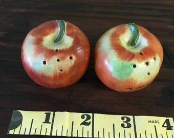 Beautiful Vintage ceramic Apple shaped Salt and Pepper shakers