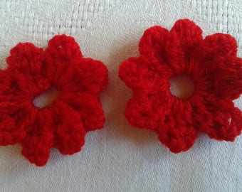 set of 2 flowers in bright red crochet