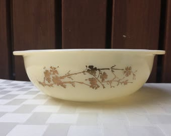 Golden Branch Pyrex Promotional Hospitality Round Casserole Dish