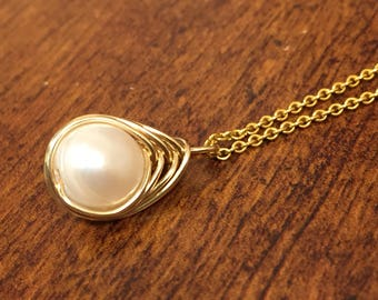 Gold Filled Wire wrap white pearl pendant necklace, Gold filled fresh water pearl pendant, Handmade Pearl Necklace