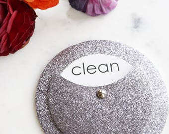 Clean Dirty Dishwasher Magnet - Refrigerator Magnet for Dishes - Gift for Roommates - Kitchen Decor Home Organization