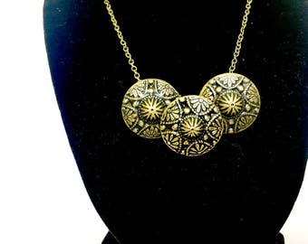 Black and Gold Vintage Button Necklace, Gold Tone Necklace, Button Necklace, Vintage Jewelry