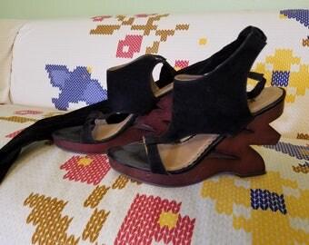 Zig-Zag Wood Heels - Wrap Around Gladiator Style - Size 10