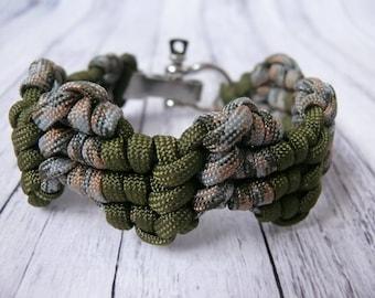 Green Paracord bracelet Men's Bracelet Survival Bracelet Bracelet for Men Gift for a men Gift for a father Gift for a guy Green bracelet