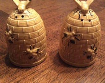 Collectible beehive salt / pepper shakers