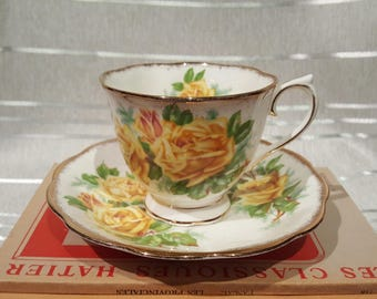 Vintage Royal Albert Tea Rose Teacup and Saucer 1940 Bone China England Pattern 839056