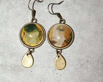 Earrings dangling love cabochon and gold