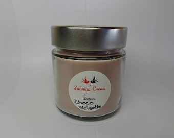 Chocolate hazelnut scented soy vegetable wax.