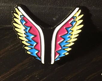 LA Wings 'gram Pin