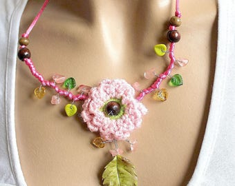 Leaf green rose and pink crocheted Flower necklace