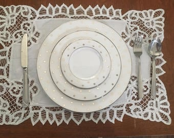 Small Lace Table Runner/Placemat