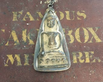 3 point amulet pendant from Thailand