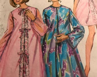 Pretty Vintage Peignoir and Nightgown in Two Lengths---Simplicity 9073---Size 10  Bust 32 1/2