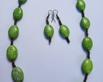 Green and Brown handmade necklace sit