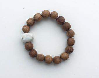 Oak bracelet with larimar Trene SUNKISSED
