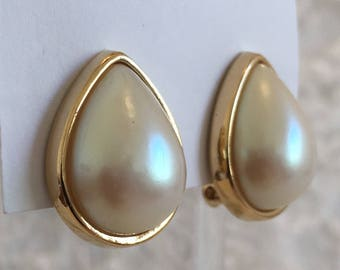Vintage Signed Richelieu Gold Tone Faux Pearl Teardrop Clip Earrings