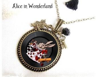 Alice in Wonderland jewels, Alice Necklace, eat me, drink me, white rabbit, fantaisy jewel bronze, Alice rabbit, pendant